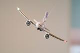 「挑戦者求む!」店内で飛んでる飛行機を、撮れるもんなら撮ってみなYO!α9を貸してあげてもよくてよ。。。