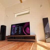 シンプルな、アトモステレビシアター。